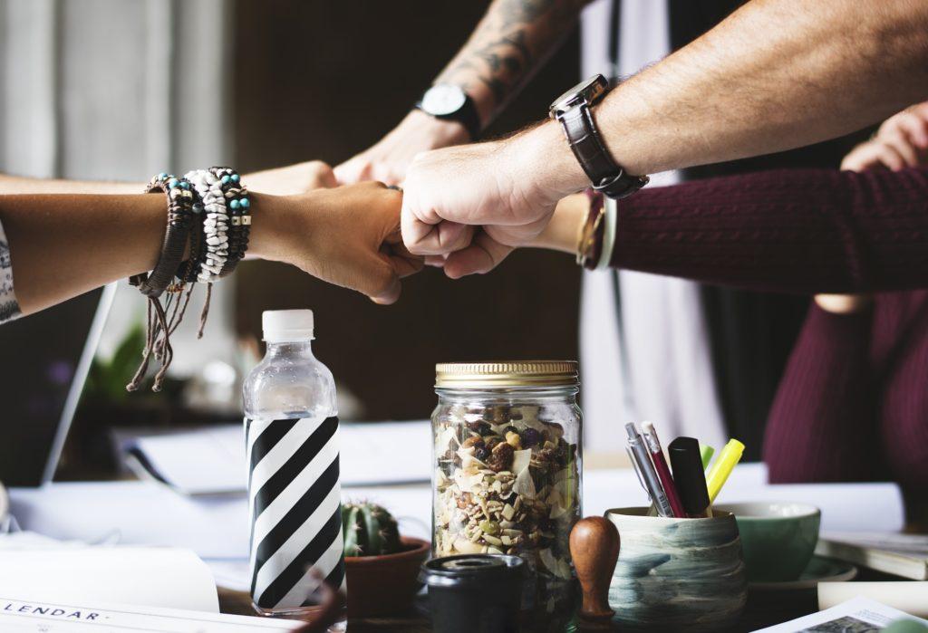 Zacznij nową znajomość i zaprzyjaźnij się z klientem
